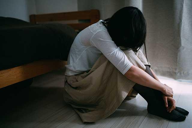 夫妻二度離婚,男子懷疑前妻外遇,將人騙回家殺害後吞藥自殺未遂