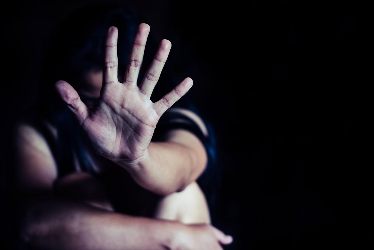 孕婦徵信社「討客兄」,為補償丈夫竟裝病姦殺少女