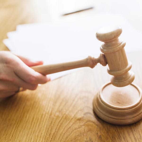 探監了84次談離婚 訴離逾時判妻敗訴