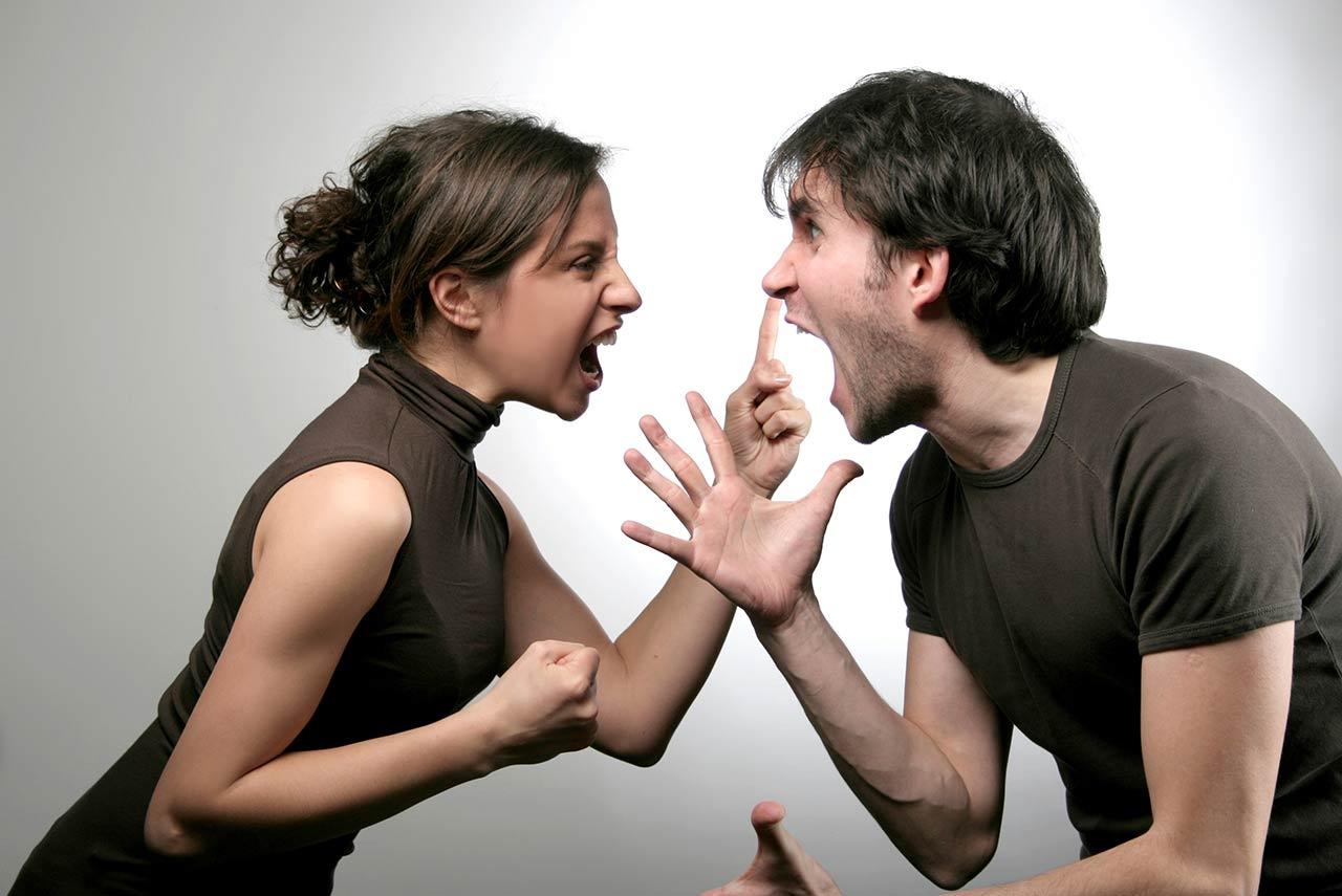 因丈夫出軌 元配怒咬小三耳朵