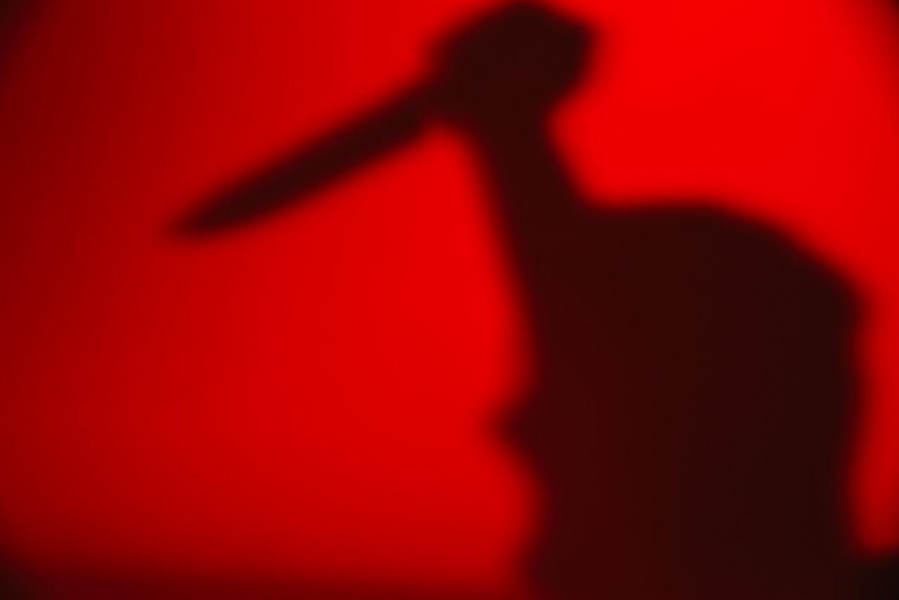 夜半回家捉賊不料成捉姦將人砍成重傷被批捕