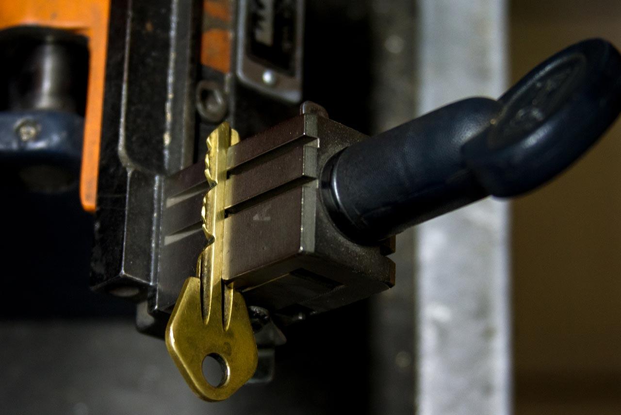 鎖匠開路 徵信社抓猴也手到擒