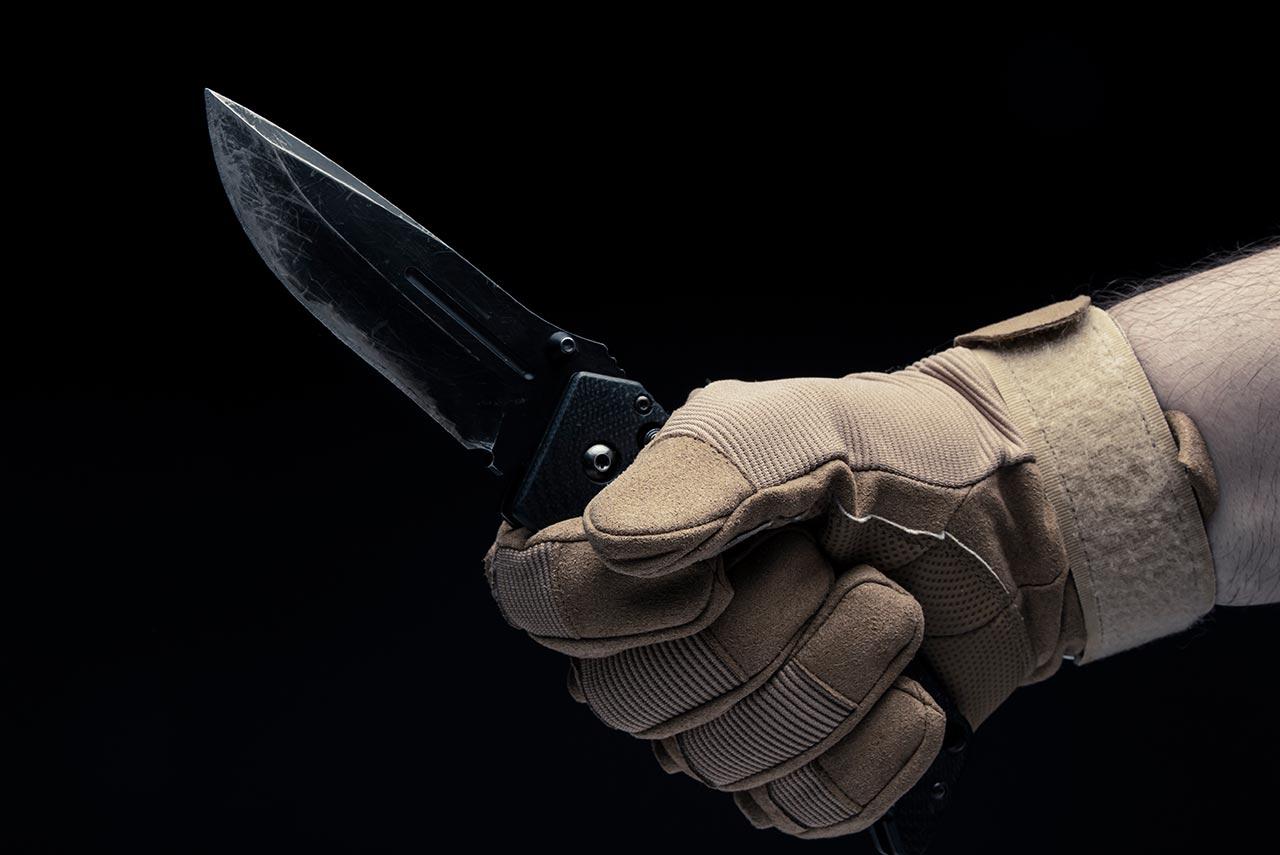 丈夫外遇被發現,談判中竟欲拿刀砍老婆!