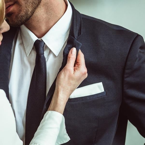 丈夫通姦婦心碎 貼心兒做「萬用卡」來打氣